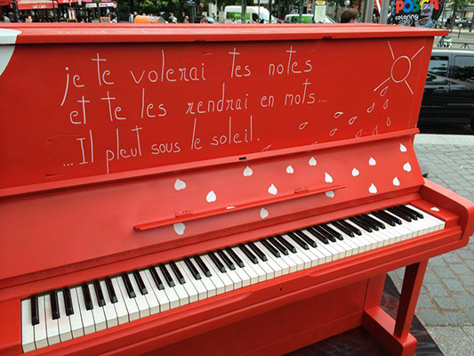 Atelier de création Play Me I'm Yours Paris - 17 juin 2014 - Place d'Italie (Paris)
